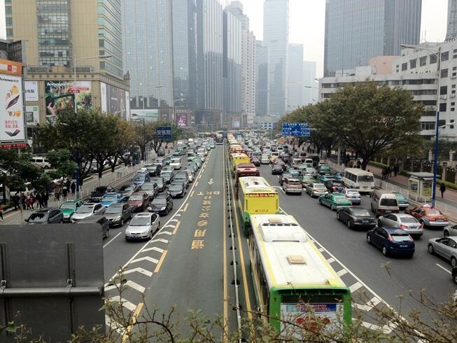 Mengenal Mass Rapid Transit sebagai Solusi Kemacetan Kota