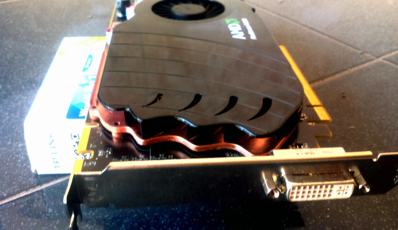 XFX hd 4890 , Quadro fx 580 dan GPGPU AMD Firestream