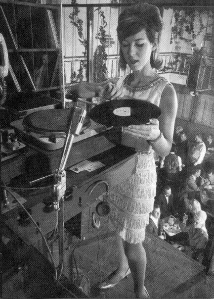 Apa itu music EDM?bagi yg demen musik masuk gan!