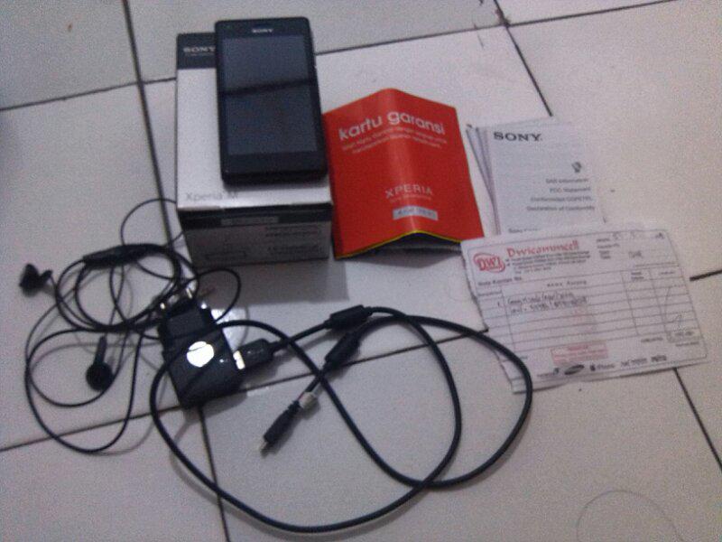 Xperia M Single Black (Depok)