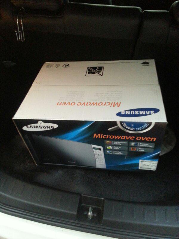 microwave oven samsung ME713K