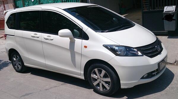 Jual santai Honda Freed Putih PSD A/T stnk 2010