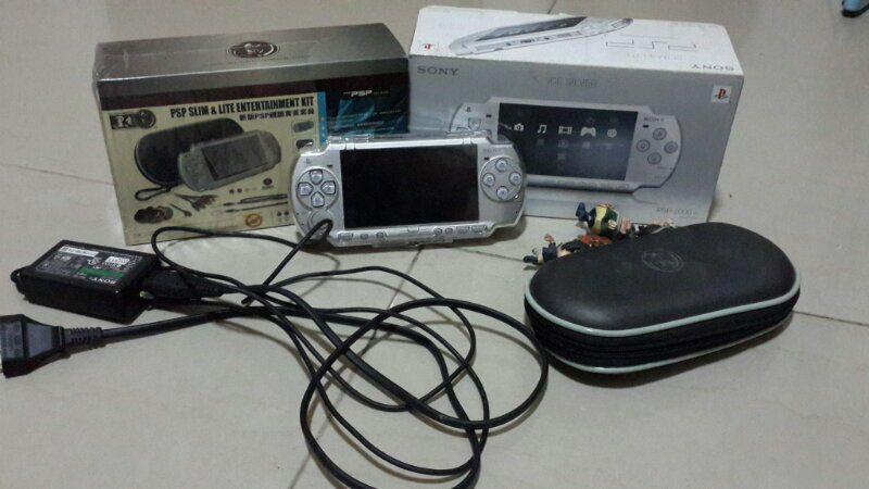 WTS PSP 2006 SLIM + BLACKHORN JUAL RUGI