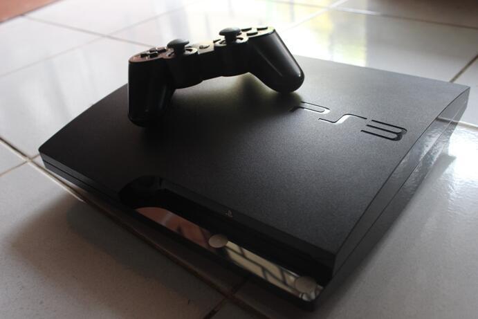 WTS SONY PS3 SLIM 120GB CECH-2006A