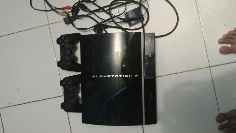 PS3 fat hdd 120gb istimewa (banyak bonus)
