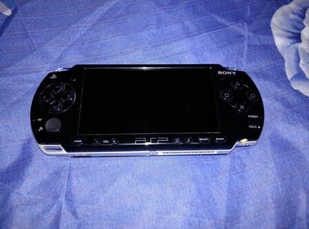 Sony PSP Slim 2006 Piano Black Second Fullset (SURABAYA)