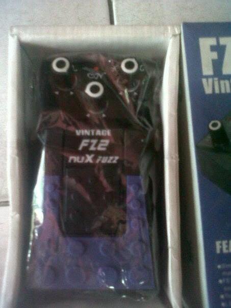 nuX FZ-2 Vintage Fuzz..retro distorsion.. wow
