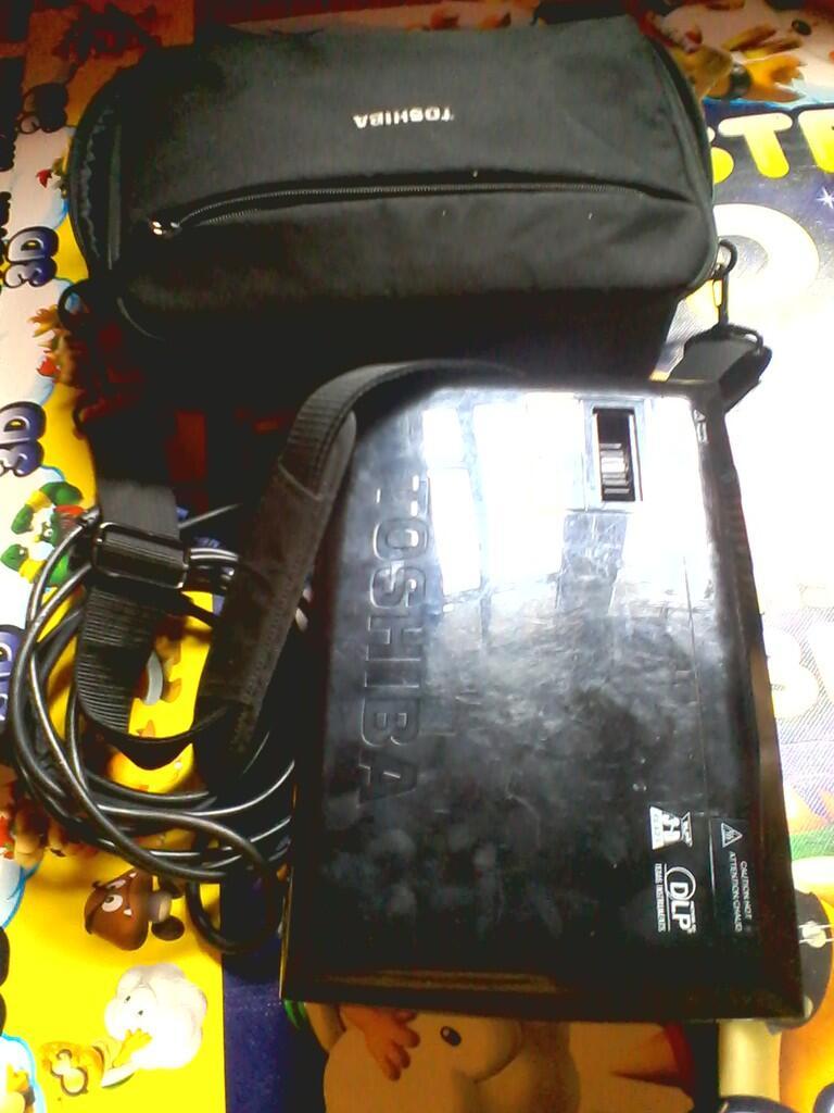 proyektor toshiba NPX10A