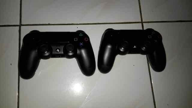 JUAL PS4 500GB PAKET MANTAB 2 STICK 1 BD FIFA 2014