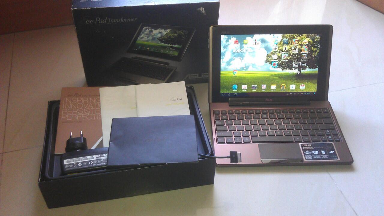 Asus Transformers Tablet / Netbook (TF 101) MURAH