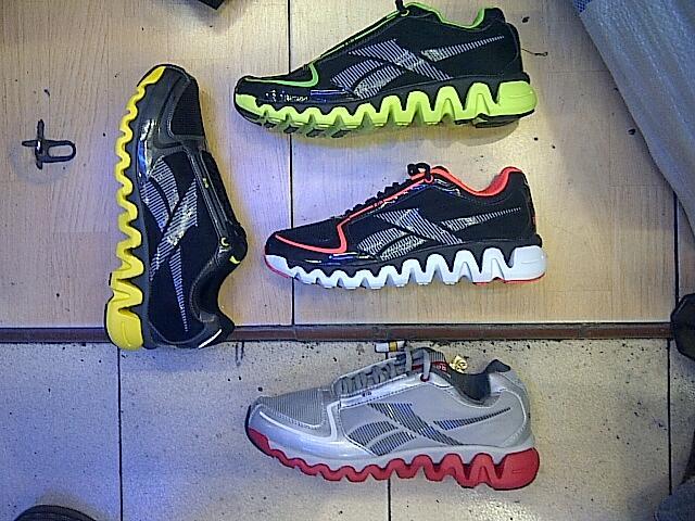 Sepatu Running Reebok REZIG KW Super