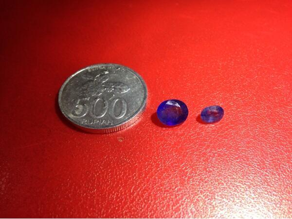 Blue sapphire/safir afrika ada 2 pcs tawar aje gan