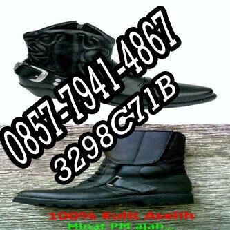 Serba serbi barang bagus : rompi byson, helm predator, deker, side bag