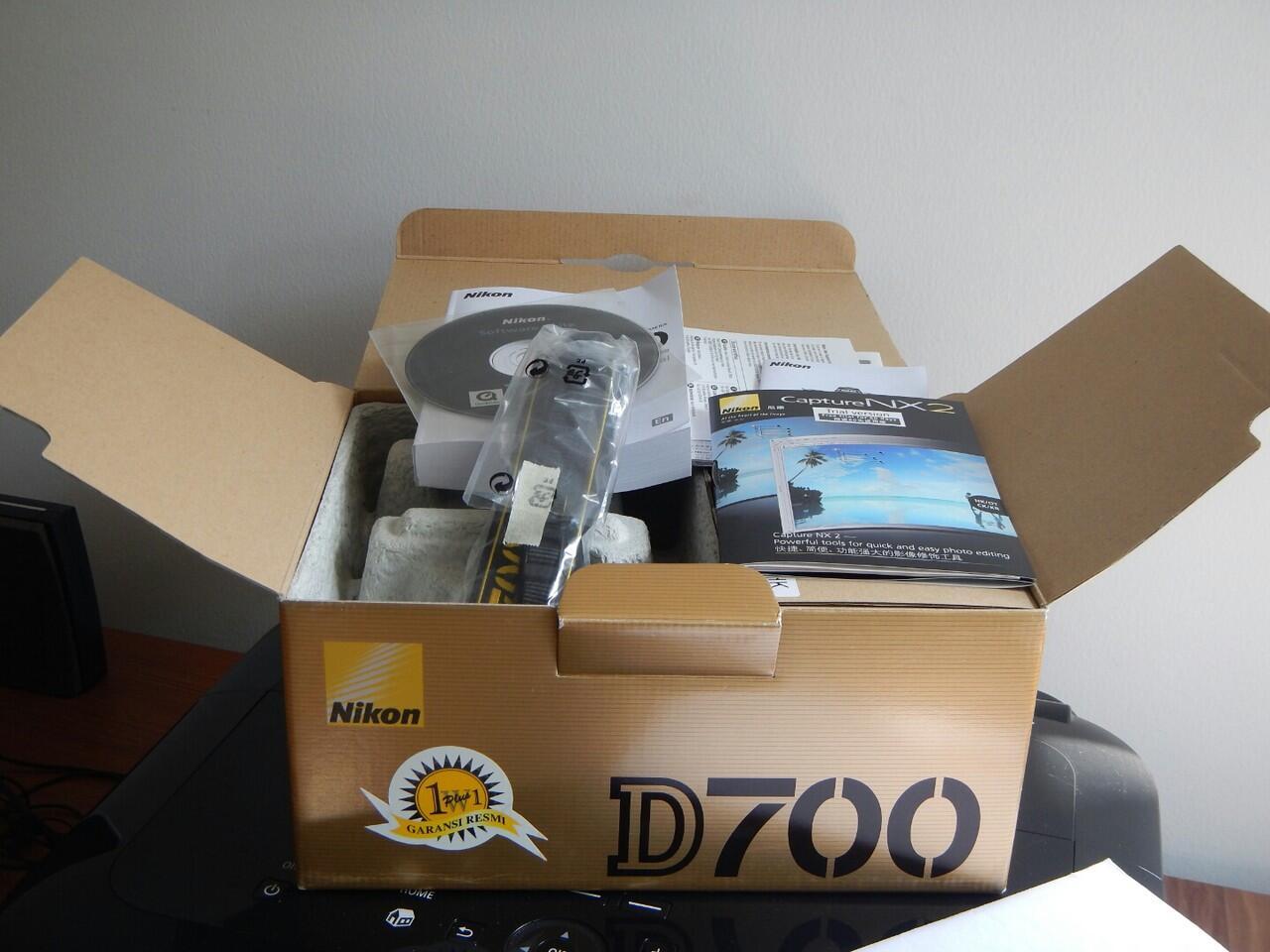 WTS Nikon D700 mint + ex Alta + lengkap