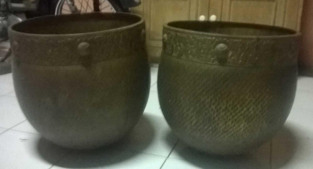 antik wadah bokor kuningan dan bokor keramik anti basi