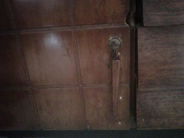 Dijual, Lemari/bufet jati tua antik 1938