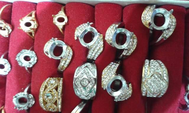 ikat cincin titanium dan alloy