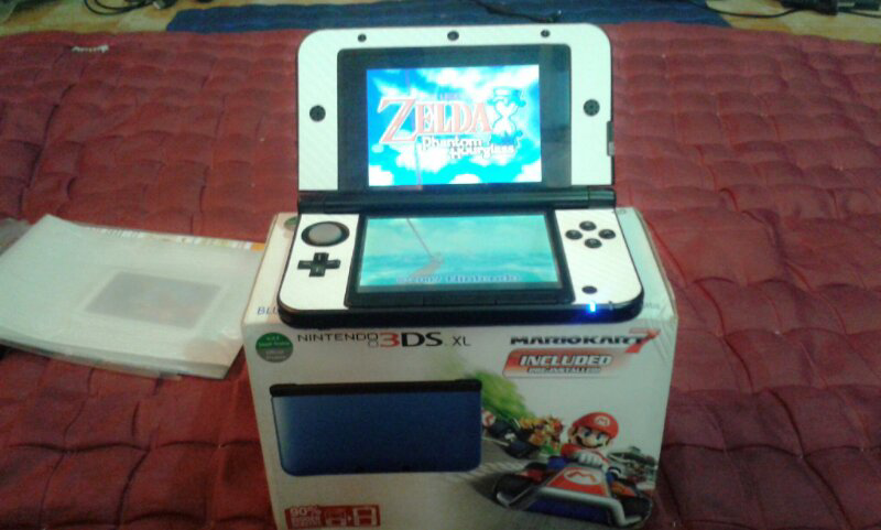 WTS 3DS XL BLUE PRE INSTALLED MARIO KART 7 WITH R4I GOLD