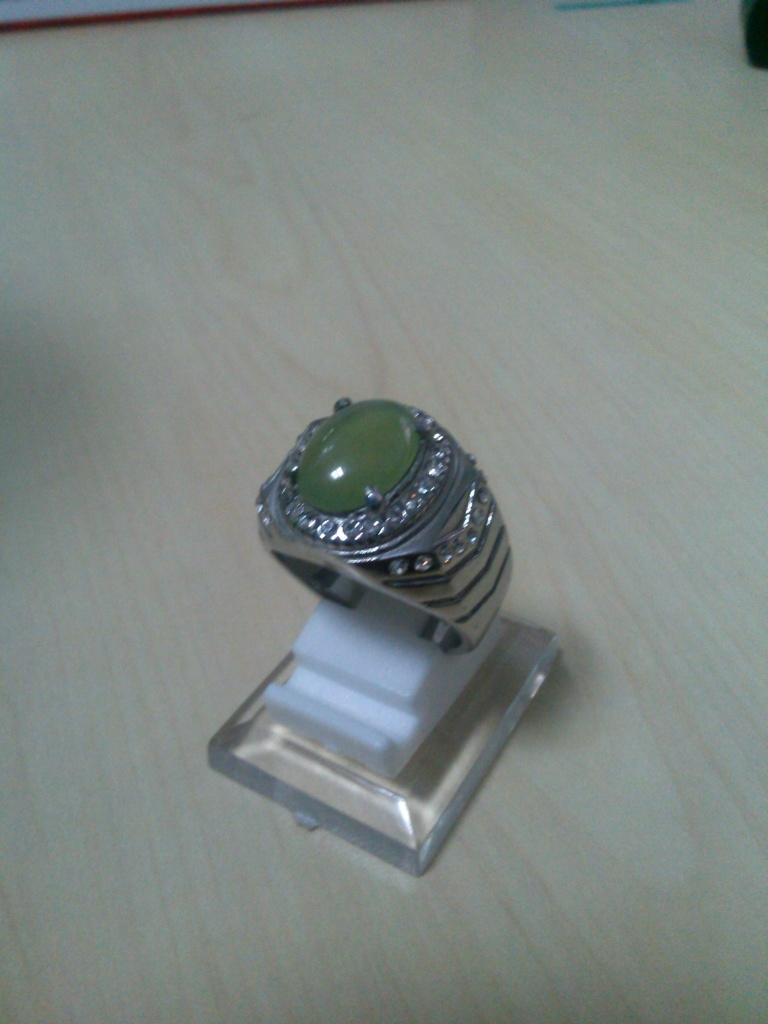 SUNGAI DARE PUPIS KRISTAL HQ TITANIUM RING