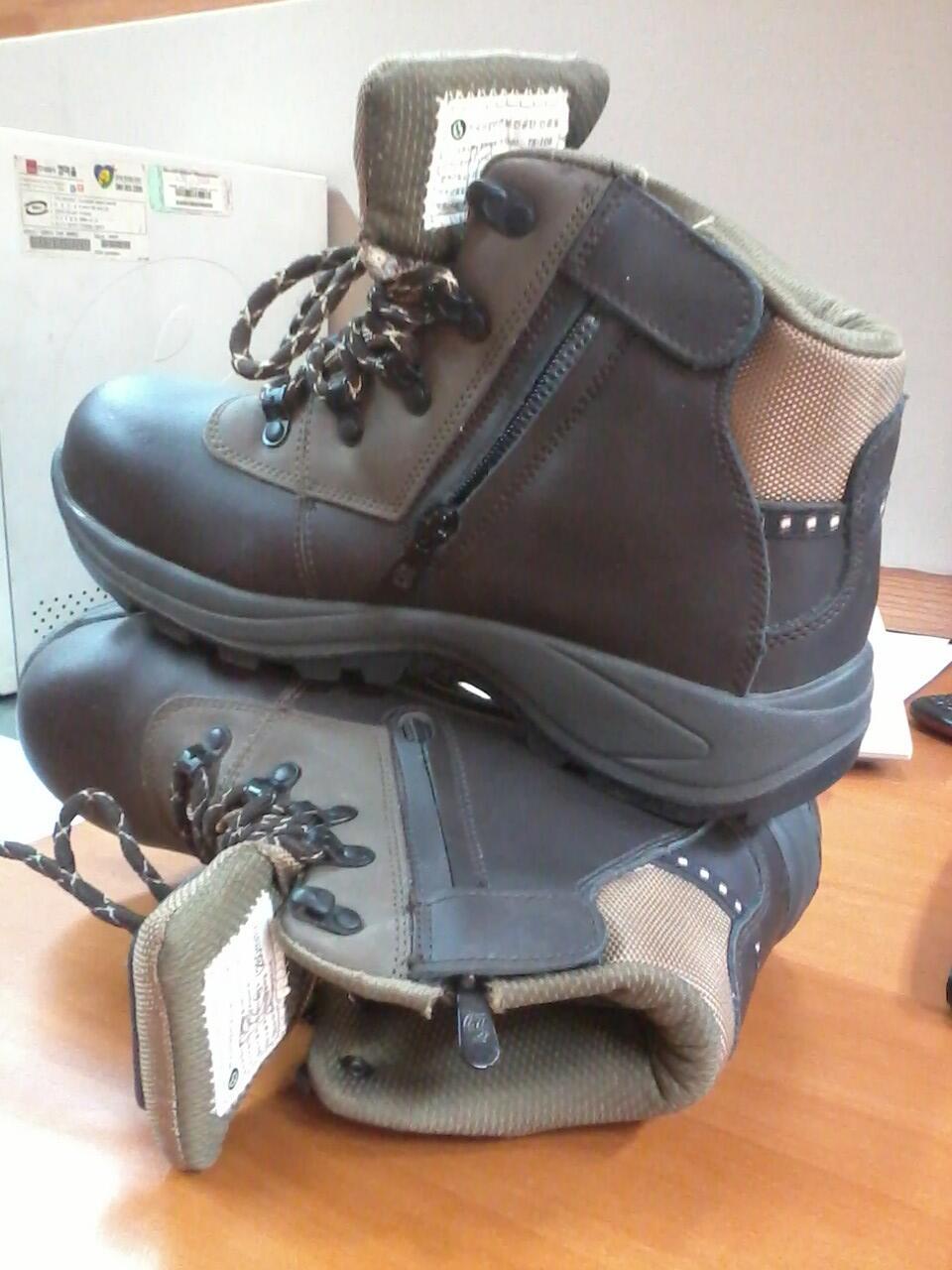 Sepatu Gunung/ Hiking/ Safety Korea merk TrekSta Hypergrip