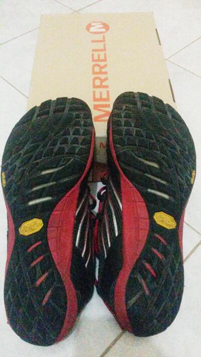 SEPATU MERRELL Men's Barefoot Trail Glove J41467