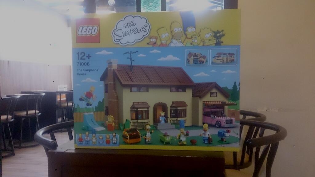 LEGO Simpsons House dan Winter Village