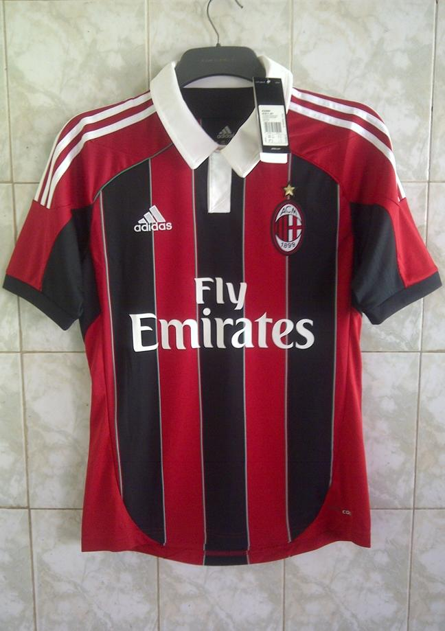 WTS Jersey AC Milan 2012-13 home Original size S BNWT