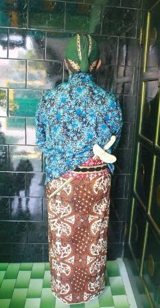 Penjahit Lik Dhar trima pesanan Surjan, Beskap, Blangkon, Jarik, Tepercaya sejak 1950