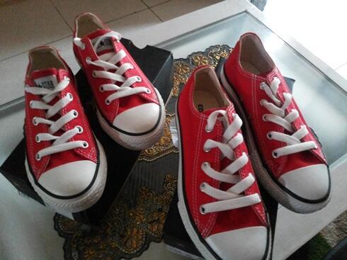 Terjual sepatu converse ct all star ox merah size 30 dan 31  55e2575b73