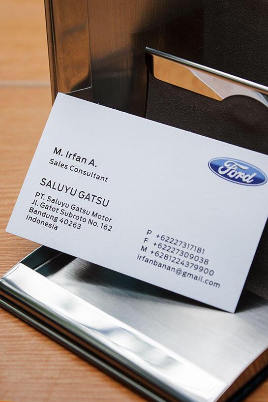Box Kartu Nama Eksklusif