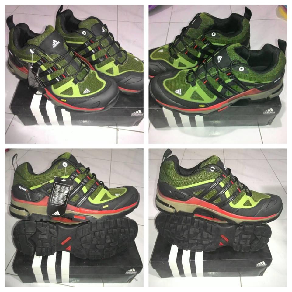 Sepatu Adidas Terrex Low