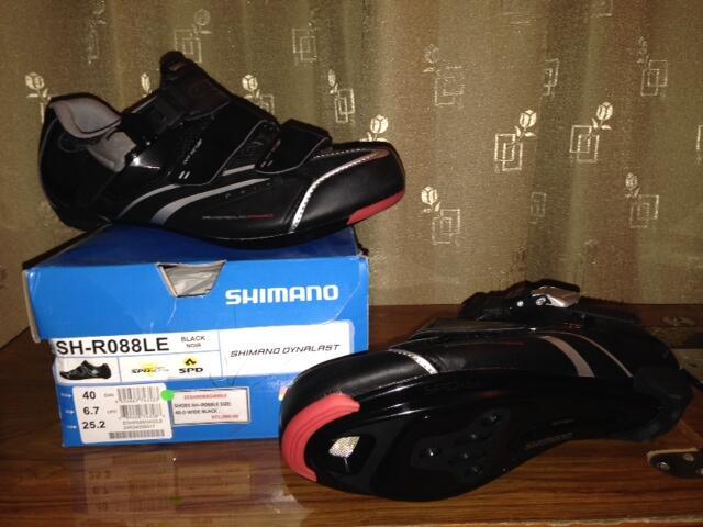 Sepatu Road Bike SHIMANO