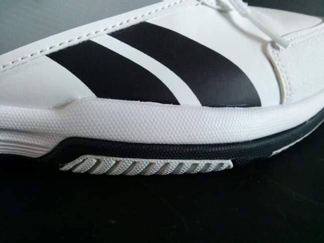 J: sepatu REEBOK ORIGINAL [running lari jogging tennis] warna putih BARU
