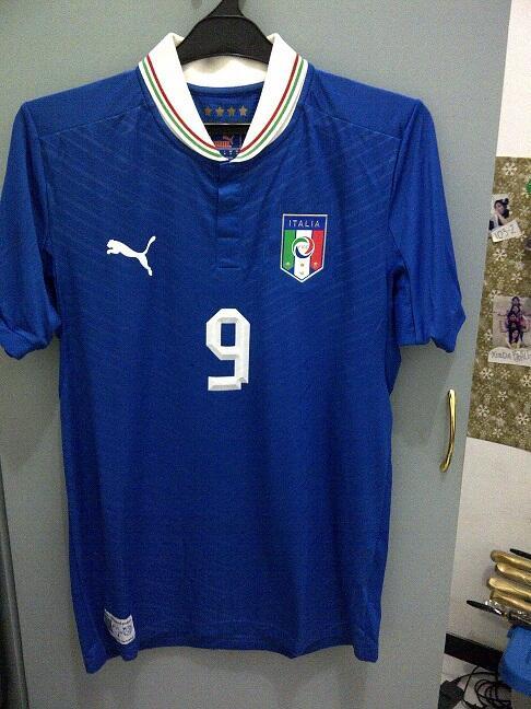 Jersey Original Timnas Italy / Italia 2012 Home size M BNWT nns Balotelli