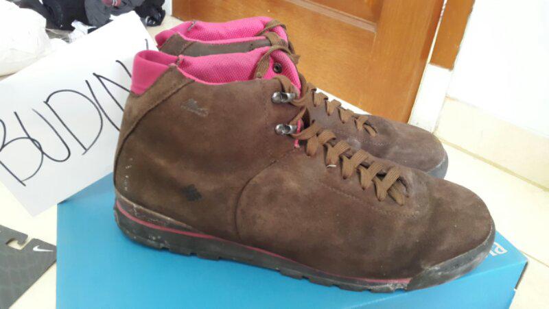 Sepatu Columbia Metro Trail Mid Leather 10 waterproof bekas with box