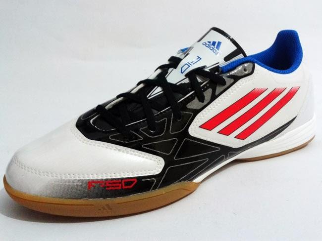 WTS Sepatu Futsl Adidas F10 in Original