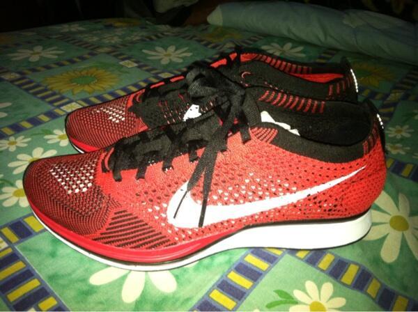 Nike Flyknit Racer Merah Hitam Size 41/26cm