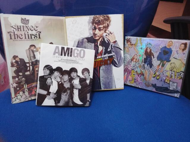 [WTS] KPOP CD COLLECTION KORLIC SNSD SHINEE EXO MAMA SUHO PHOTOCARD F(x) U-KISS
