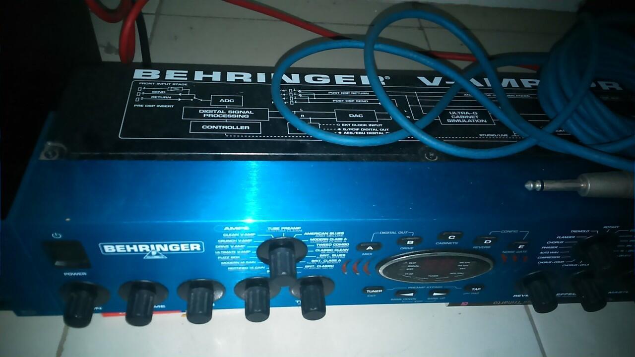 Behringer V-Amp Pro Guitar