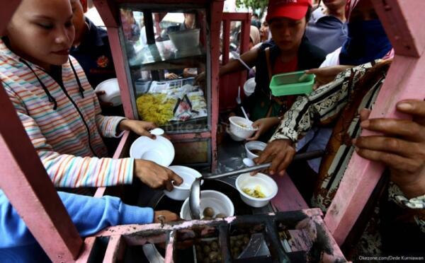 [Kok Ricuh??] Pesta Rakyat Jokowi Ricuh