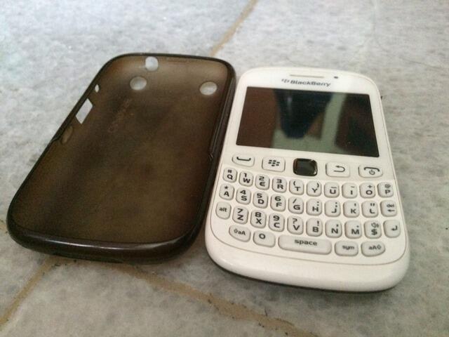 JUAL Blackberry Curve 9320 a.k.a Blackberry Armstrong MURAH!!!