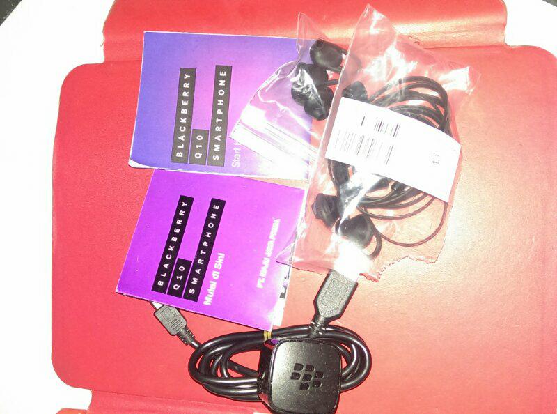 >>>> Blackberry Q10 Pin Cantik Garansi Panjang Mulus 99% COD MALANG <<<<