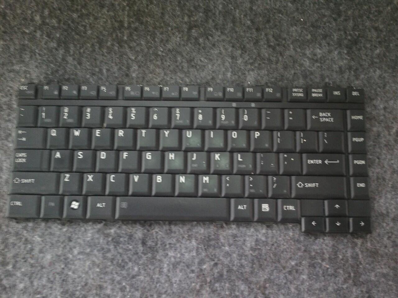 Keyboard Laptop Toshiba Satellite L310 atau sejenis original CEK DULU