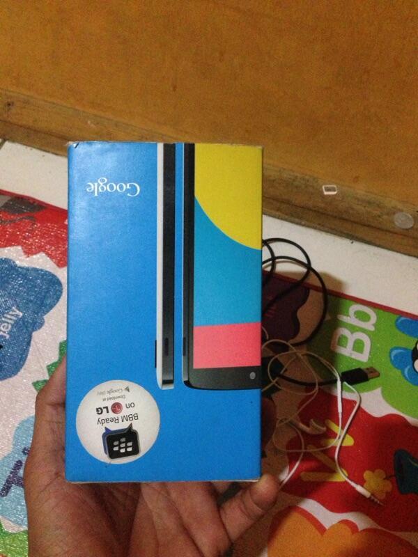 LG nexus 5 white garansi panjang sampe Juli 2015