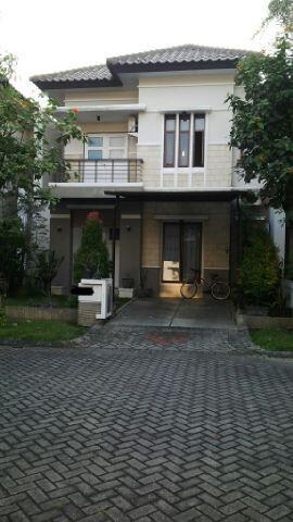 Rumah 2nd di Royal Kesington - Surabaya