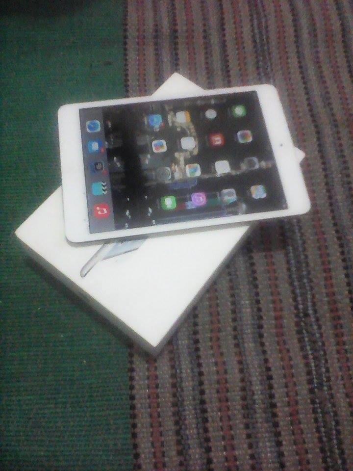 Ipad Mini 4G + Wifi 16gb ( white ) fullset - BU ( SURABAYA )