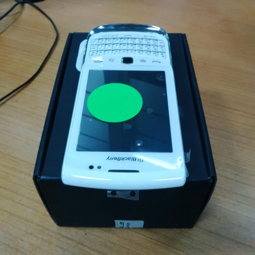 Blackberry Torch 9810 White, unit new (swap), vudu 00, ex garansi selularshop