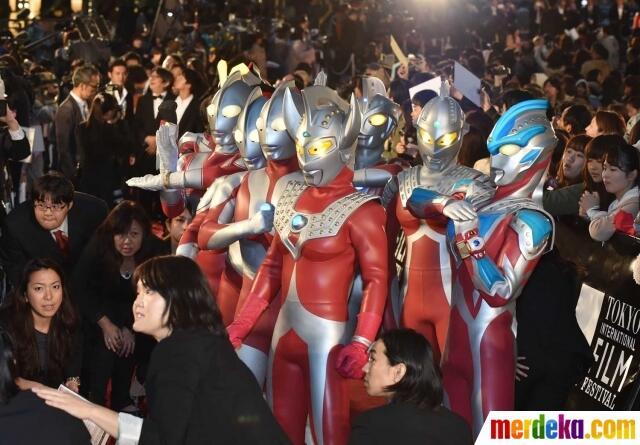 Aksi gerombolan Ultraman Kalau Lagi nggak ada Kerjaan | KASKUS