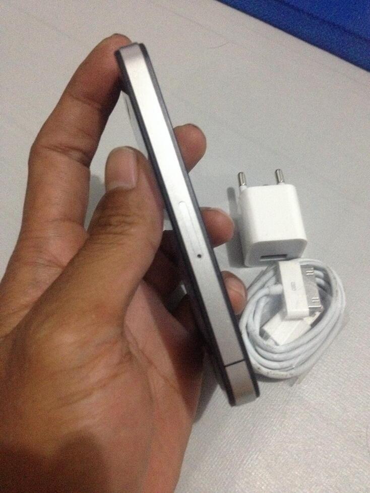 IPHONE 4G 8GB BLACK RASA IPOD (BYPASS) kondisi mulus