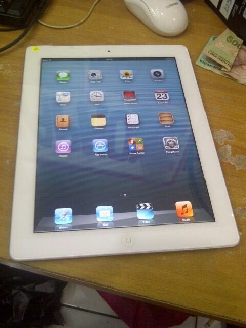 dijual second ipad 2 16gb wifi only murah saja (ropikin)